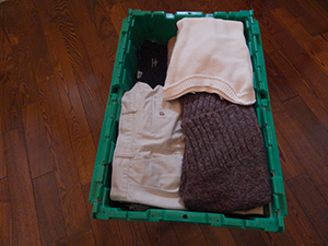 packing clothes in smart box